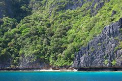 Landscape with rocky island near Palawan Royalty Free Stock Photography