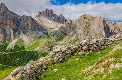 Landscapep di Muntain e cielo blu, dolomia, Italia Immagine Stock Libera da Diritti