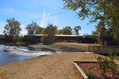 landscaping покрытый мостом Стоковая Фотография RF
