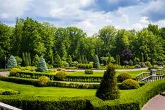 landscaping сада путь сада Красивейшая задняя часть Стоковые Фото