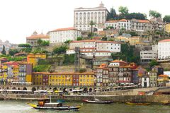 Landschaft altes Porto und traditionelle Boote, Stockbild
