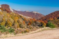 Landschaft auf Sommerweide Demerdzhi, Krimhalbinsel Lizenzfreies Stockfoto