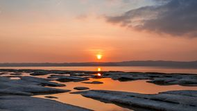 Landschaft bei Sonnenuntergang auf den natürlichen Pools lizenzfreie stockbilder
