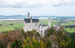 Landschaft berühmten schönen Neuschwanstein-Schlosses stockfoto