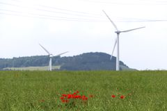 Landschaft der alternativen Energie in Deutschland stockfotografie