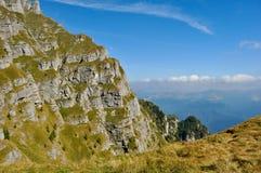 Landschaft der Berge Bucegi Stockfotografie