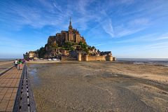 Landschaft der Betäubung Mont Saint Michel Frühlingsmorgenansicht des Überraschens von Mont Saint Michel-Abtei Normandie, Frankre Stockfoto