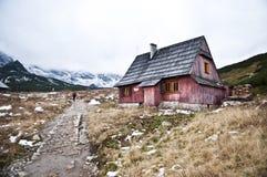 Landschaft der Gebirgshütte in Tatra-Bergen, Polen Stockbilder
