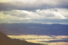 Landschaft der Herbstlandschaft und -hügel Lizenzfreie Stockfotos