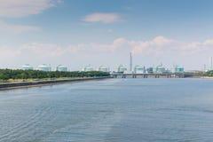 Landschaft der Industrie am Hafen Lizenzfreies Stockbild