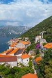 Landschaft der Küstenstadt Perast Stockfoto