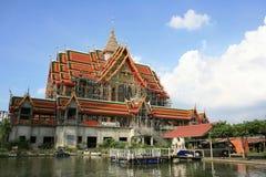 Landschaft der konstruierten sehr großen Tempelarchitektur Stockfotografie