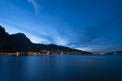 Landschaft der Luzerne während des Sonnenuntergangs Lizenzfreie Stockfotos