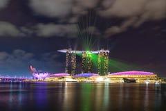 Landschaft der Marina Bay Sands-Laser-Show stockbilder