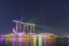 Landschaft der Marina Bay Sands-Laser-Show lizenzfreie stockbilder