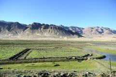 Landschaft der tibetanischen Hochebene Stockfoto
