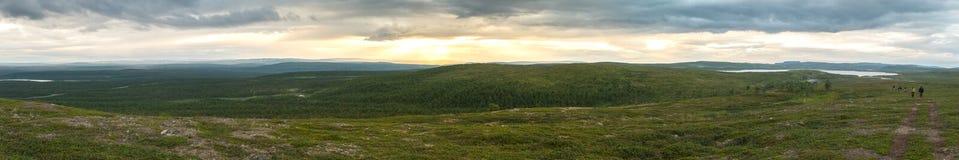 Landschaft der Tundra bei Sonnenuntergang, Finnmark, Norwegen Panorama Stockfotografie