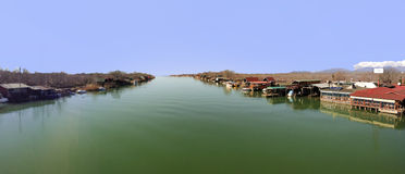 Landschaft des Flusses Bojana in Ulcinj, Montenegro Stockfotos