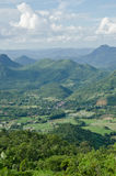 Landschaft des grünen Gebirgszugs lizenzfreies stockbild