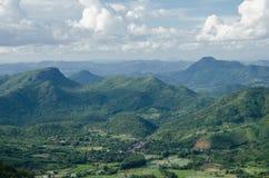 Landschaft des grünen Gebirgszugs lizenzfreies stockfoto