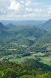 Landschaft des grünen Gebirgszugs Lizenzfreie Stockbilder