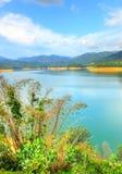 Landschaft des Mannes machte See an Verdammung Sungai Selangor während des Mittags Stockbilder