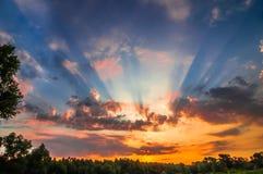 Landschaft des Morgensonnenaufgangs Lizenzfreie Stockfotos