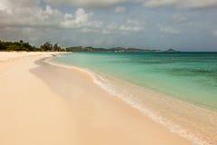 Landschaft des Sandy-tropischen karibischen Strandes lizenzfreie stockfotos