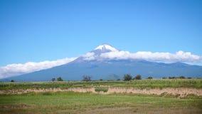 Landschaft des Vulkans Popocatepetl stock video