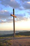 Landschaft eines Kreuzes an der Dämmerung Lizenzfreie Stockfotos