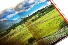 Landschaft im Buch Stockbilder