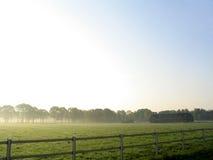 Landschaft im Nebel Stockbilder