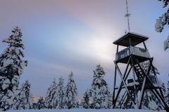 Landschaft im rovaniemi während des Sonnenuntergangs - Lappland lizenzfreie stockfotos