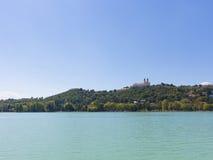 Landschaft mit Abtei von Tihany Lizenzfreies Stockfoto
