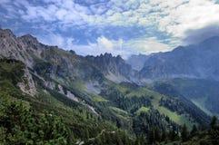 Landschaft mit Bergen Lizenzfreies Stockbild