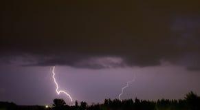 Landschaft mit Blitzen Lizenzfreie Stockfotos