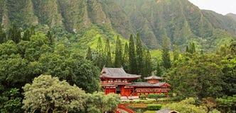 Landschaft mit Byodo-in Tempel Lizenzfreie Stockfotos