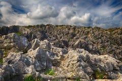 Landschaft mit dem Ozeanufer in Asturien, Spanien Stockfotos