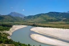 Landschaft mit Fluss, Albanien Stockfotos