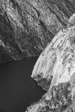 Landschaft mit Fluss und felsigen Bergen Arribes-del Duero Badekurort Lizenzfreies Stockbild