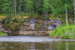Landschaft mit Fluss und Klippen Krasnojarsk-Gebiet, Russland Lizenzfreie Stockbilder