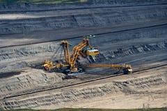Landschaft mit mineralgewinnender Industrie lizenzfreie stockfotos