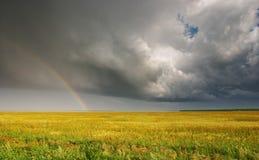 Landschaft mit Regenbogen Stockfoto