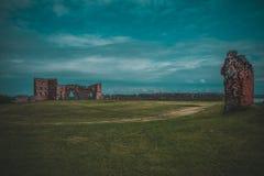 Landschaft mit Schloss lizenzfreie stockbilder