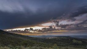 Landschaft mit sonnigen Bannen Stockfotos