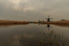Landschaft mit Windmühlen Stockfotografie