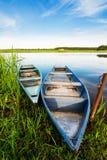 Landschaft mit zwei alten Booten Stockfoto