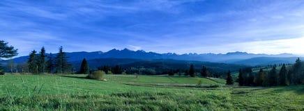 Landschaft-moiutain in Lapszanka in Polen Lizenzfreie Stockfotografie