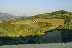 Landschaft in Montefeltro nahe Urbino-Märzen, Italien Lizenzfreie Stockfotografie