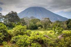 Landschaft in Ometepe-Insel mit Concepción-Vulkan Lizenzfreie Stockfotografie